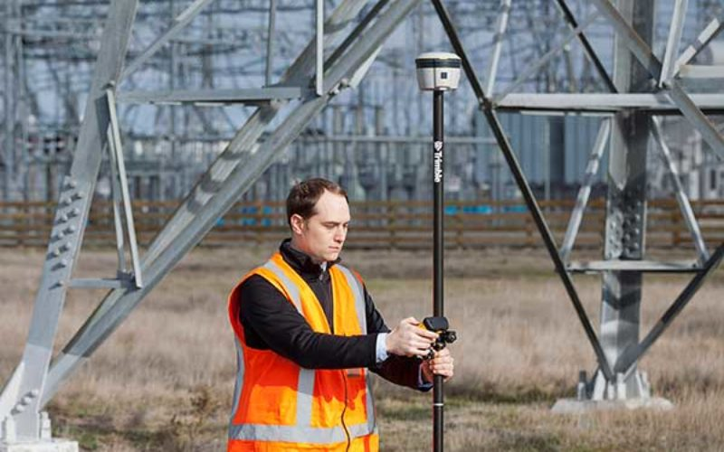 Trimble R2 GNSS Receiver Now Available for Data Collection